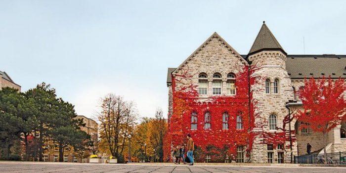 Top 10 Public Universities in Canada: University of Toronto: Queen's University